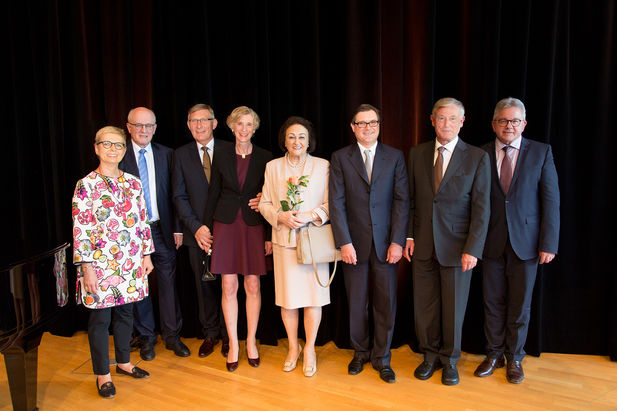 Dr. h. c. mult. Sybill Storz and Karl-Christian Storz with the former German President Prof. Horst Köhler, CDU/CSU party whip Volker Kauder and his wife, State Attorney General Guido Wolf, and Mayor Michael Beck and his wife.