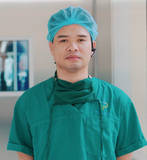 Dr. Nguyên Hoàng Hoà, surgeon at Saint Paul Hospital, introducing the new OR1™ operating theatre